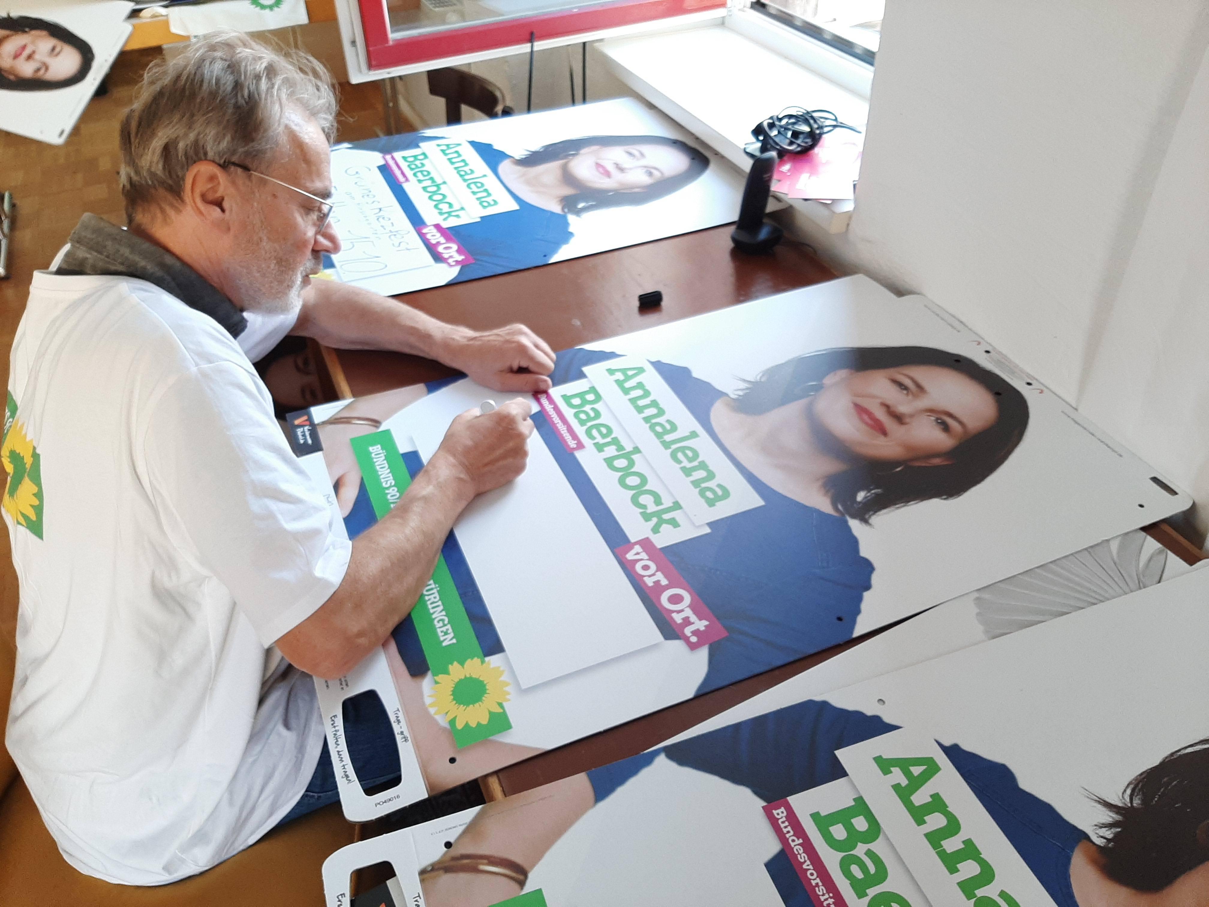 Alter Grüner aus dem Süden Deutschlands auf Wahlkampfurlaub in Brandenburg